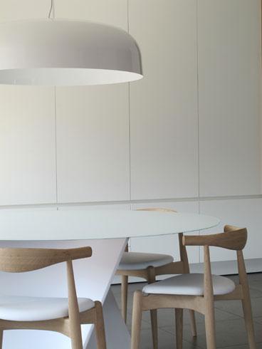 stoel CH20 / tafel elica / hanglamp canopy